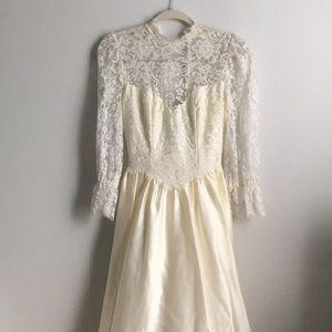 Vintage Lace Collar Wedding Dress